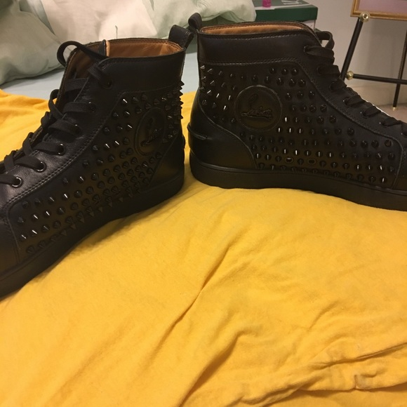 sale retailer 32727 502a6 black Christian louboutins spike studded
